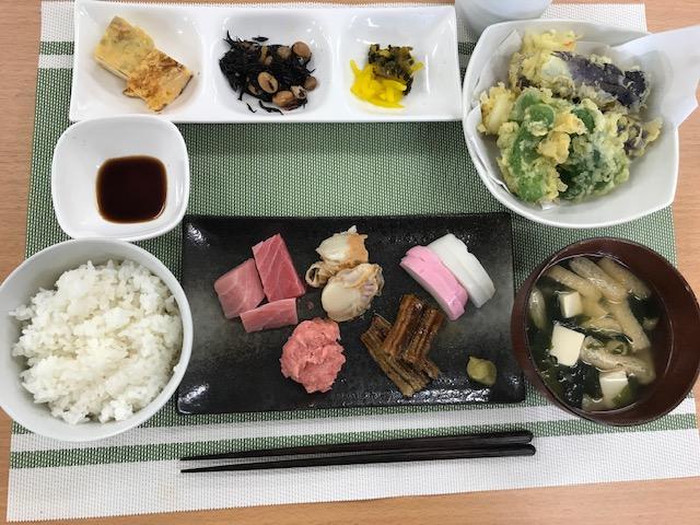 ¥400円 毎日の手作りのお昼ごはん